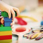 speelgoed alleen als uitzondering aan tafel
